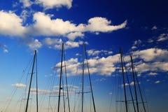 Gli alberi degli yacht Fotografie Stock