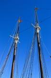 Gli alberi di due navi Immagine Stock
