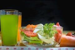 Gli alimenti sani sono sulla tavola, Fotografie Stock Libere da Diritti