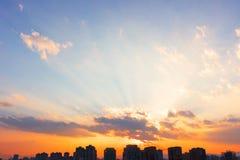 Gli ambiti di provenienza della molla naturale creano i colori morbidi leggeri ed il sole luminoso un periodo ridotto prima del t Fotografia Stock Libera da Diritti