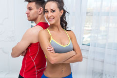 Gli amici sportivi delle coppie dimagriscono ambizioso atletico Immagine Stock Libera da Diritti