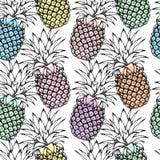 Gli ananas neri di schizzo su fondo bianco con l'acquerello variopinto spruzza Reticolo senza giunte illustrazione di stock