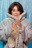 gli anni di 50s 60s adattano il ritratto asiatico della donna fotografia stock libera da diritti