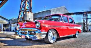 Gli anni 50 rossi Chevy fotografie stock libere da diritti