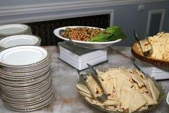 Gli aperitivi sono pronti per gli ospiti Immagine Stock Libera da Diritti