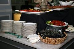 Gli aperitivi sono pronti per gli ospiti Immagini Stock Libere da Diritti
