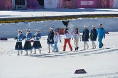 Gli atleti vanno alla cerimonia del fiore Immagini Stock Libere da Diritti