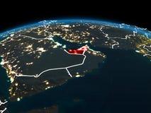 Gli Emirati Arabi Uniti su terra alla notte Fotografie Stock