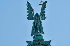 Gli eroi quadrano a Budapest, il memoriale di millennio, statua sopra a Fotografia Stock Libera da Diritti