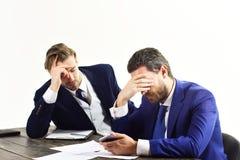 Gli impiegati in vestiti convenzionali sembrano sollecitati e deprimenti Immagine Stock Libera da Diritti