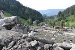 Gli infangamenti sfregiano i pendii di collina dell'Austria che seguono la pioggia persistente Immagine Stock