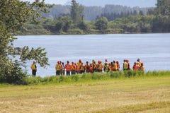 Gli ingegneri si riuniscono a Fraser River Fotografia Stock