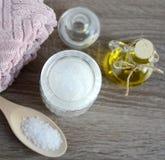 Gli ingredienti per l'ente casalingo sfregano immagini stock
