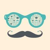 Gli occhiali da sole d'annata dei pantaloni a vita bassa con il Natale fiorisce su fondo pastello Fotografia Stock Libera da Diritti