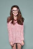 Gli occhiali da sole della maschera della donna di modo progettano il ritratto decorativo Fotografia Stock