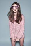 Gli occhiali da sole della maschera della donna di modo progettano il ritratto decorativo Fotografia Stock Libera da Diritti