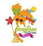 Gli occhiali da sole di Flip-flop della mappa della Tailandia di festival di Songkran espongono al sole il cielo Immagine Stock