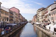 Gli oggetti d'antiquariato introducono a Milano, Italia Immagine Stock