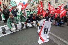 Gli operai metallurgici di Alcoa dimostrano a Roma fotografia stock