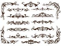 Gli ornamenti d'annata progettano gli autoadesivi bianchi degli angoli della struttura dei bordi del fondo di fronzoli floreali d Fotografia Stock