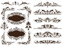 Gli ornamenti d'annata progettano gli autoadesivi bianchi degli angoli della struttura dei bordi del fondo di fronzoli floreali d Immagine Stock