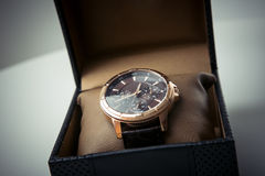 Gli orologi degli uomini costosi Fotografie Stock