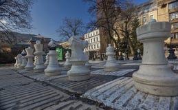 Gli scacchi surdimensionati tradizionali della via calcolano 02 Immagini Stock Libere da Diritti