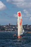 gli schifi da 18 piedi su Sydney Harbour Immagini Stock