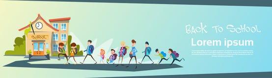 Gli scolari raggruppano ritornano ad insegna di istruzione scolastica illustrazione di stock