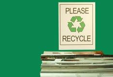 Gli scomparti e riciclano il segno Fotografia Stock