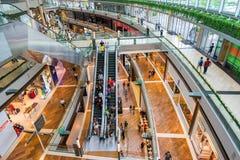 Gli Shoppes a Marina Bay Sands a Singapore fotografia stock