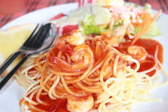 Gli spaghetti del gamberetto Immagini Stock Libere da Diritti