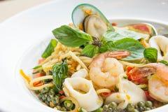 Gli spaghetti ubriachi dei frutti di mare delle tagliatelle Gusto dell'alimento della Tailandia fotografia stock