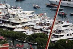 Gli spettatori guardano il Gran Premio 2016 di F1 Monaco dagli yacht Immagini Stock Libere da Diritti