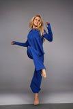 Gli sport di yoga della donna indossano l'atleta della raccolta di salute di forma fisica della palestra Immagini Stock