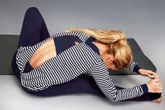 Gli sport di yoga della donna indossano l'atleta della raccolta di salute di forma fisica della palestra Immagine Stock