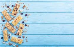 Gli spuntini casalinghi sani fanno colazione Barre di Granola immagine stock
