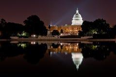 Gli Stati Uniti Campidoglio alla notte Fotografie Stock Libere da Diritti