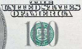 Gli Stati Uniti cento dollari della fattura di macro del primo piano Immagine Stock