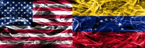 Gli Stati Uniti contro il Venezuela fumano il lato disposto concetto delle bandiere dal si royalty illustrazione gratis