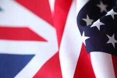 Gli Stati Uniti e bandiere britanniche Fotografie Stock Libere da Diritti