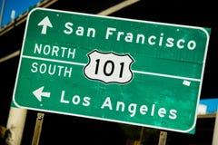 Gli Stati Uniti verdi segno del nord/verso sud della strada principale di 101 Fotografia Stock Libera da Diritti