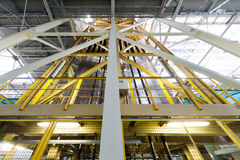 Gli strati di alluminio estendono sulle macchine speciali Fotografia Stock Libera da Diritti
