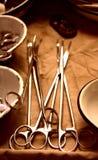 Gli strumenti chirurgici Fotografie Stock Libere da Diritti
