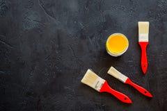 Gli strumenti della costruzione, della pittura e della riparazione per il posto di lavoro del costruttore della casa hanno messo  Fotografia Stock Libera da Diritti