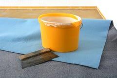 Gli strumenti di un pavimento mette a strati Fotografie Stock Libere da Diritti