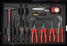 Gli strumenti per la riparazione ed i sistemi diagnostici delle automobili nell'automobile del garage, hanno messo la o Fotografia Stock Libera da Diritti
