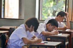 Gli studenti si siedono nell'aula Fotografia Stock