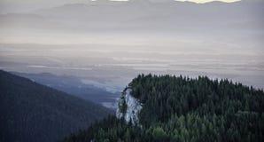 Gli ultimi raggi toccano le alte montagne in autunno Fotografia Stock Libera da Diritti
