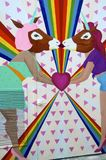 Gli unicorni lesbici che baciano murale del vicolo del richiamo, San Franisco fotografie stock